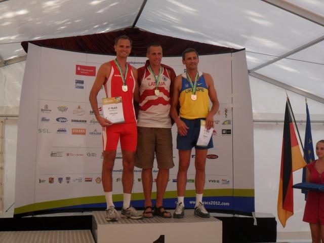 Олег Крамар М45(Белгород-Дністровський) бронзовий призер у стрибках у висоту