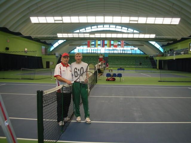Рябцев В (ІІ місце, 70+) і Шарешик Є. (І місце, 70+)
