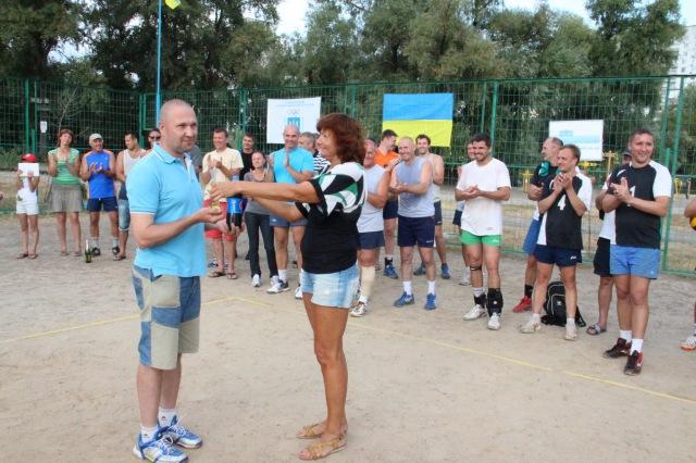Приз - охолоджений напій - судді національної категорії з волейболу Ігору Петрусю