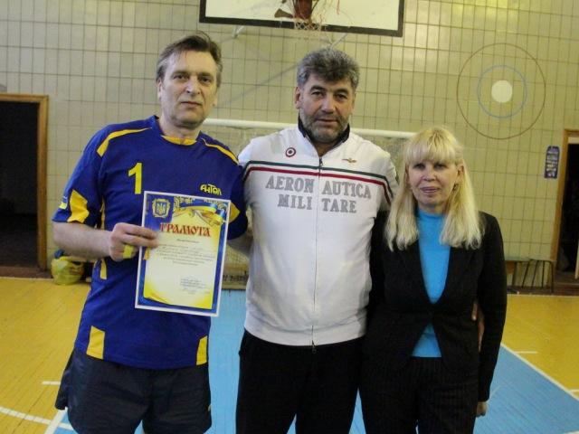 Грамота від Київського місцевого осередку ветеранів волейболу кращому гравцю команди «Антал» Олександру Житньому