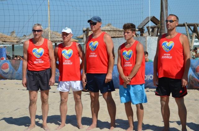 Переможець турніру команда «Бердянськ», на чолі з капітаном Віталієм Чередниченко (зліва)