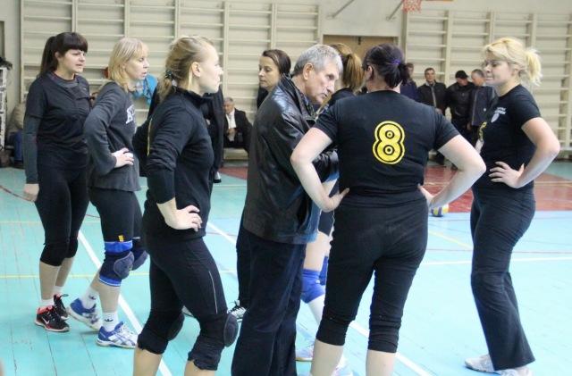 Наставник жіночої команди Красноармійська Микола Ляшенко