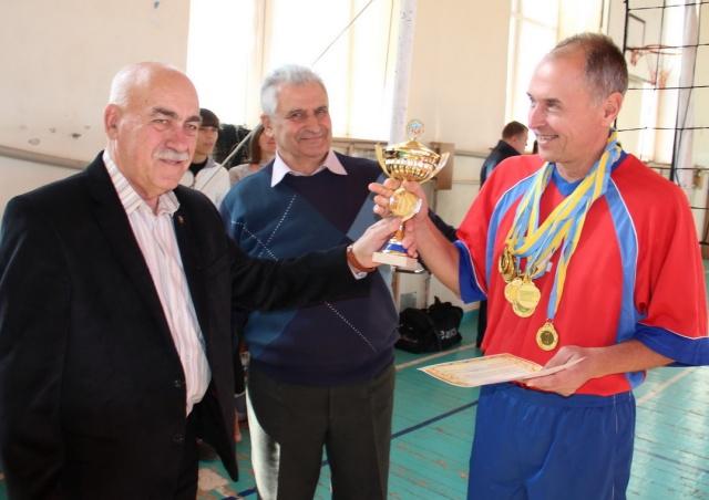 Кубок і золоті медалі для команди з Краматорська (55+)