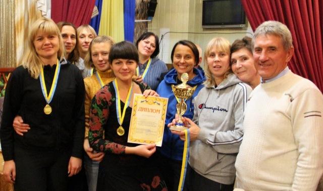 21.Кубок і золоті медалі турніру виборола жіноча команда з Красноармійська