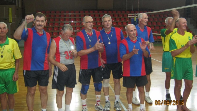Бронзовый призер турнира 65+ команда «Кадет» (Киев)